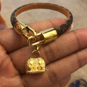Louis Vuitton Jewelry - LOUIS VUITTON leather bracelet
